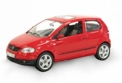 Schuco 1:43 Volkswagen Fox rood
