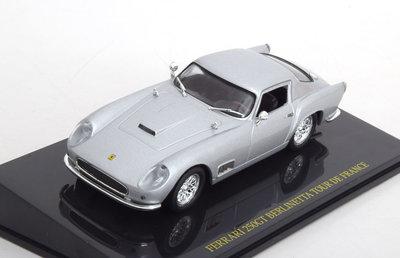 Atlas 1:43 Ferrari 250 GT Berlinetta Tour de France in vitrine