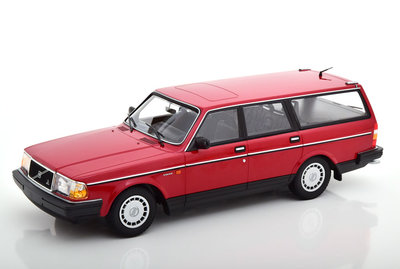 Minichamps 1:18 Volvo 240 GL Break 1986 rood, oplage 600 stuks