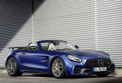 GT Spirit 1:18 MERCEDES-AMG GT R ROADSTER Designo brilliant blue magno, levering 12/2019. Te reserveren