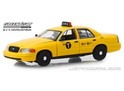 Greenlight 1:43 Ford Crown Victoria NYC Taxi  2011 geel