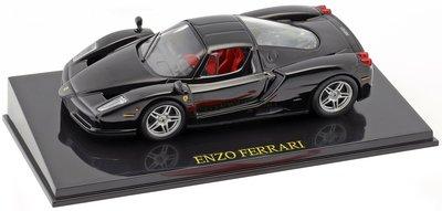 Atlas 1:43 Ferrari Enzo zwart in vitrine