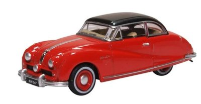Oxford 1:76 Austin Atlantic Saloon Ensign Red, in vitrine