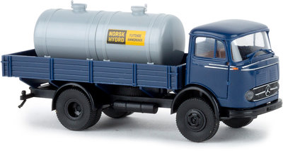 Brekina 1:87 Mercedes LP 328 met Norsk Hydro Tank blauw