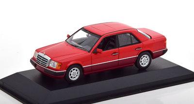 Maxichamps 1:43 Mercedes Benz 230E W124 Limousine 1991 rood