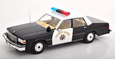 MCG 1:18 Chevrolet Caprice Highway Patrol California 1987 zwart wit