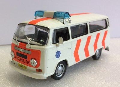 Atlas 1:43 Volkswagen T2 van Rijkpolitie Nederland, in blisterverpakking
