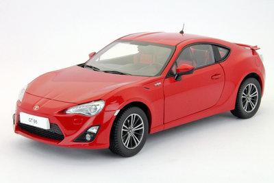 Dorlop 1:18 Toyota GT86 2014 Slightning rood