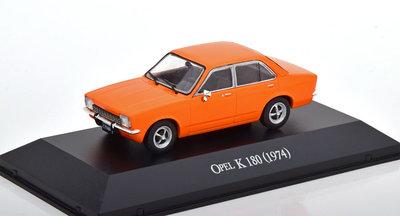 Atlas 1:43 Opel K 180 Kadett C4 Portes 1974 oranje, in blisterverpakking