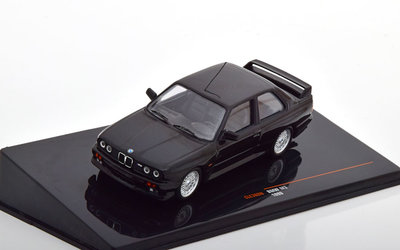 IXO 1:43 BMW M3 E30 1990 zwart