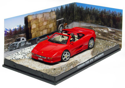 Atlas 1:43 Ferrari F355 James Bond Goldeneye 1955 rood diorama