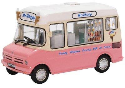 Oxford 1:43 Bedford CF ICE Cream van Mirrison Mr Whippy roze creme, in vitrine