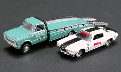 ACME 1:64 Chevrolet Ramp Truck 1967 With Chevrolet Camaro 1971 Holley Performance