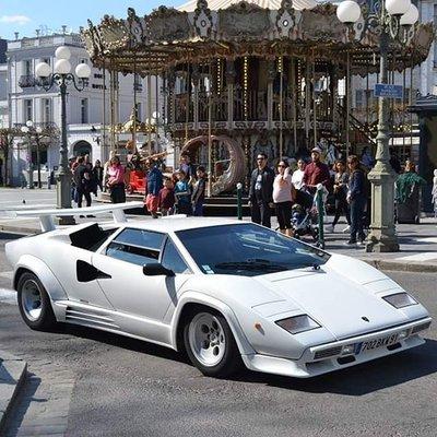 GT Spirit 1:8 LAMBORGHINI COUNTACH LP5000 QV Bianco polo, in vitrine