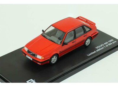 Triple9 Collection 1:43 Volvo 440 Turbo rood