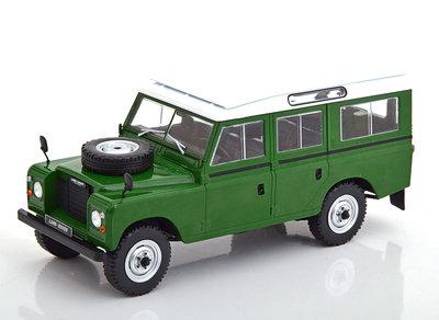 Whitebox 1:24 Land Rover 109 Serie III groen