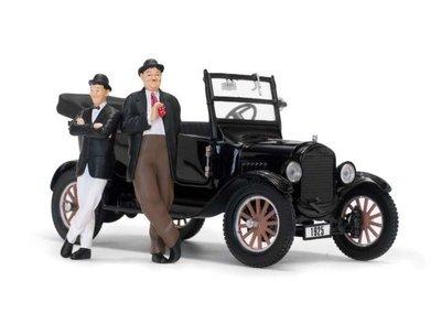 Sunstar 1:24 Ford Laurel & Hardy Model T 1925 zwart incl Figuren. verwacht 02/2020