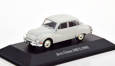 Atlas 1:43 Auto Union 1000S 1960 lichtgrijs in blisterverpakking