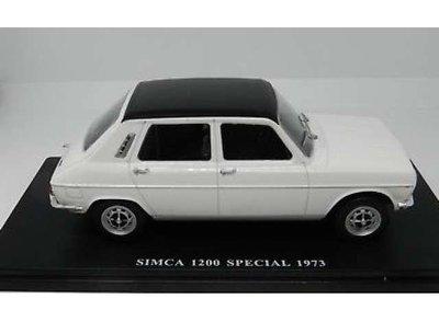 Atlas 1:24 Simca 1200 Special 1973 wit, in blisterverpakking
