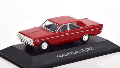 Atlas 1:43 Chrysler Valiant 4 1967 rood, in blisterverpakking