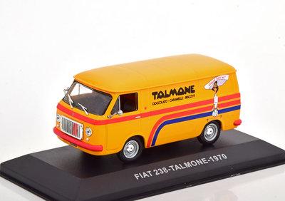 Atlas 1:43 Fiat 238 Talmone 1970 oranje in vitrine