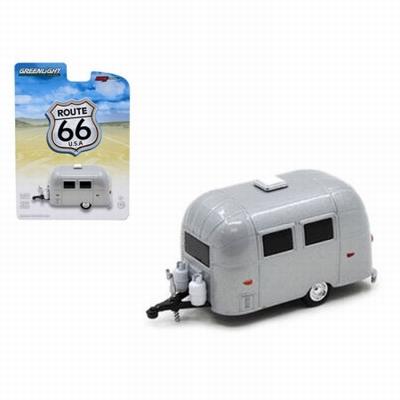 Greenlight 1:64 Airstream 16 Bambi Sport Caravan Route 66