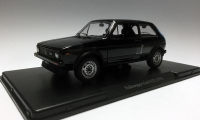Auto Vintage De Luxe Collectie 1:24 Volkswagen Golf GTi zwar