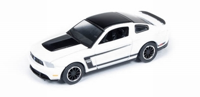 Auto World 1:64 Ford Mustang Boss 302 2012 wit Car en Drive