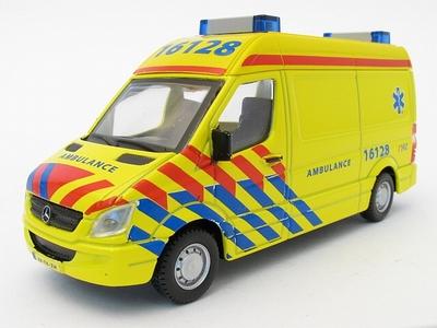 Bburago 1:50 Mercedes Benz Sprinter ambulance Nederland NL