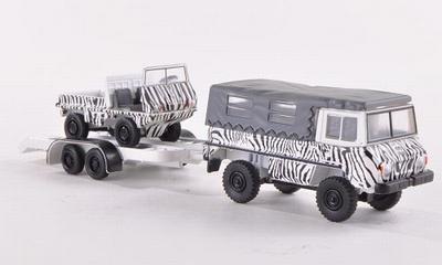 BUB Pinzgauer 2a met aanhanger en met Haflinger Safari