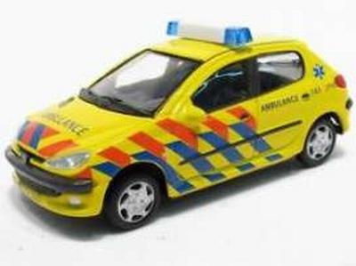 Cararama 1:72 Peugeot 206 ambulance