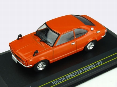 First43 1:43 Toyota Sprinter Trueno 1972 oranje