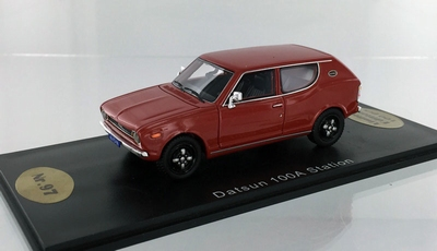 Golden Oldies 1:43 Datsun 100 A Station rood