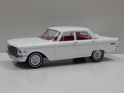 Greenlight 1:18 Ford Falcon XP Sedan 1964 RHD wit