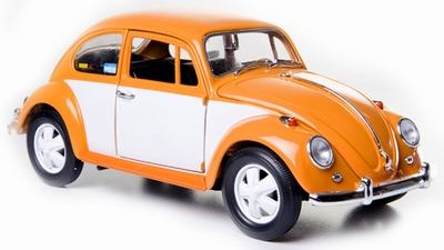 Greenlight 1:18 Volkswagens Beetle 1967 oranje/wit