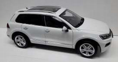 GTA 1:18 Volkswagen Touareg 2012 wit