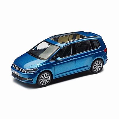 Herpa 1:43 Volkswagen Touran 2015 blauw, dealer verpakking