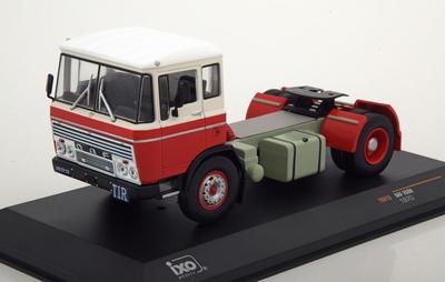 IXO 1:43 DAF 2600 1970 rood wit trekker