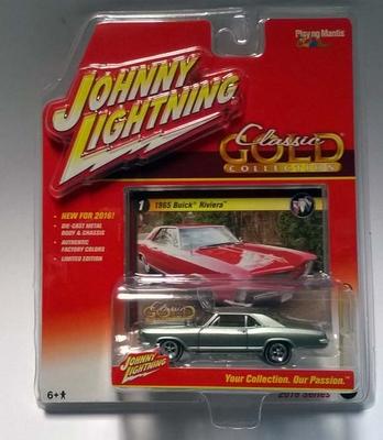 Johnny Lightning 1:64 Buick Riviera 1965 lichtgroen