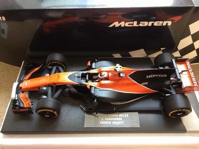 Minichamps 1:18 McLaren Honda Stoffel Vandoorne Chinese 2017