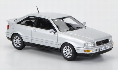 Neo Scale 1:43 Audi 80 Coupe zilver