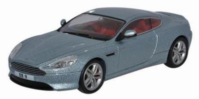 Oxford 1:43 Aston Martin DB 9 Coupe zilver