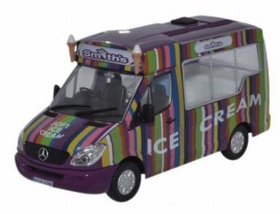 Oxford 1:43 Mercedes Benz Sprinter Smiths Ice Cream Whitby