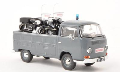 Premium Classixxs 1:43 Volkswagen T2a Gendarmerie met Puch