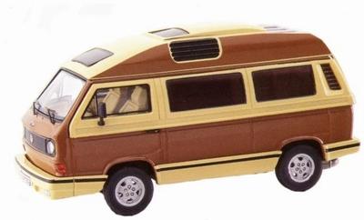 Premium classixxs 1:43 Volkswagen T3a Dehler Profi bruin