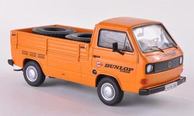 Premium Classixxs 1:43 Volkswagen T3a Pickup Dunlop oranje
