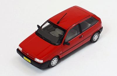 Premium X 1:43 Fiat Tipo 3 deurs 1995 rood