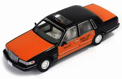Premium X 1:43 Lincoln Town Car Taxi 1996 zwart oranje