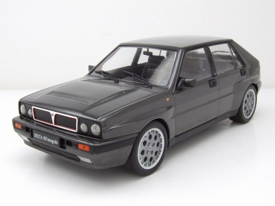 Triple9 Collection 1:18 Lancia Delta HF Intergrale 16V grijs