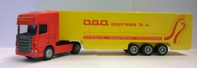Vrachtwagen 1:64 Scania D.G.O. express B.V. rood met geel